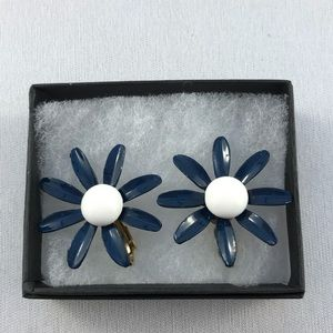 Vintage navy blue daisy clip earrings